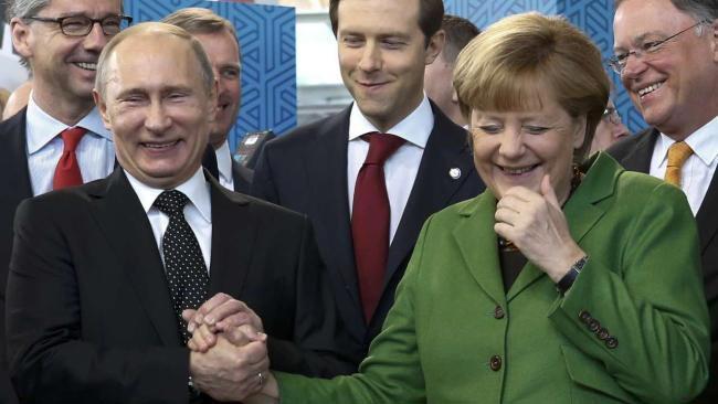 Меркель высказалась против экономических санкций в отношении России