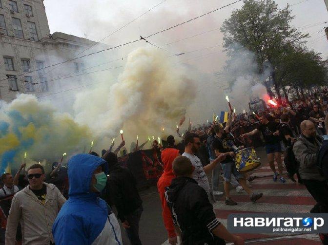В Харькове 14 человек получили ранения от рук правосеков-ультрас. Фото. Видео #харьков #украина #антимайдан #русскаявесна