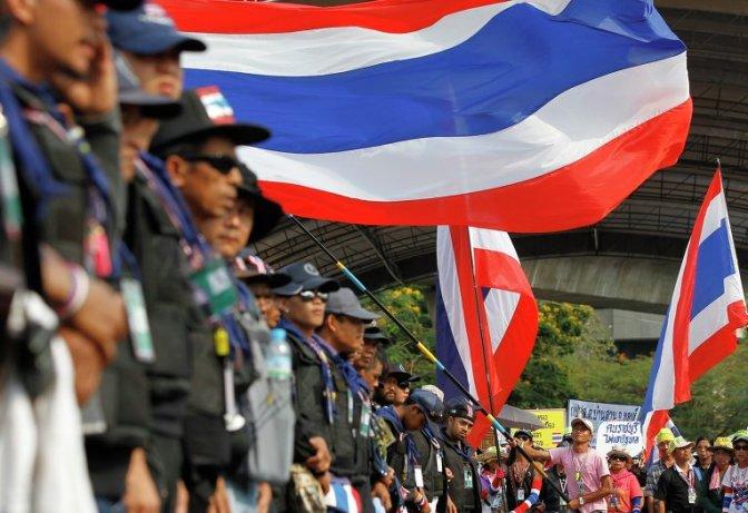 Армия объявила о введении в Таиланде военного положения #антимайдан #евромайдан #тайланд