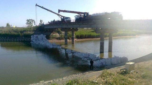 Россия начала поставлять питьевую воду в Крым #украина #юговосток