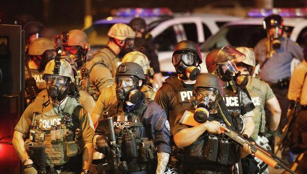 Народное восстание в США: в Фергюсон входит национальная гвардия #США #Фергюсон