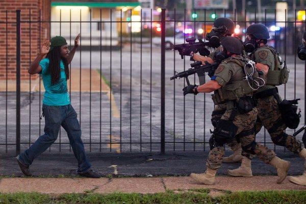 Народное восстание в США: массовые аресты продолжаются #Фергюсон #Миссури #США