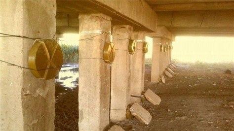 Мариуполь. Каратели заминировали мосты и социально-значимые объекты инфраструктуры. Фото с одного из заминированных объектов.